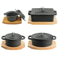 100mm Round Cast Iron Casserole with lid & wooden tray - Pyrolux